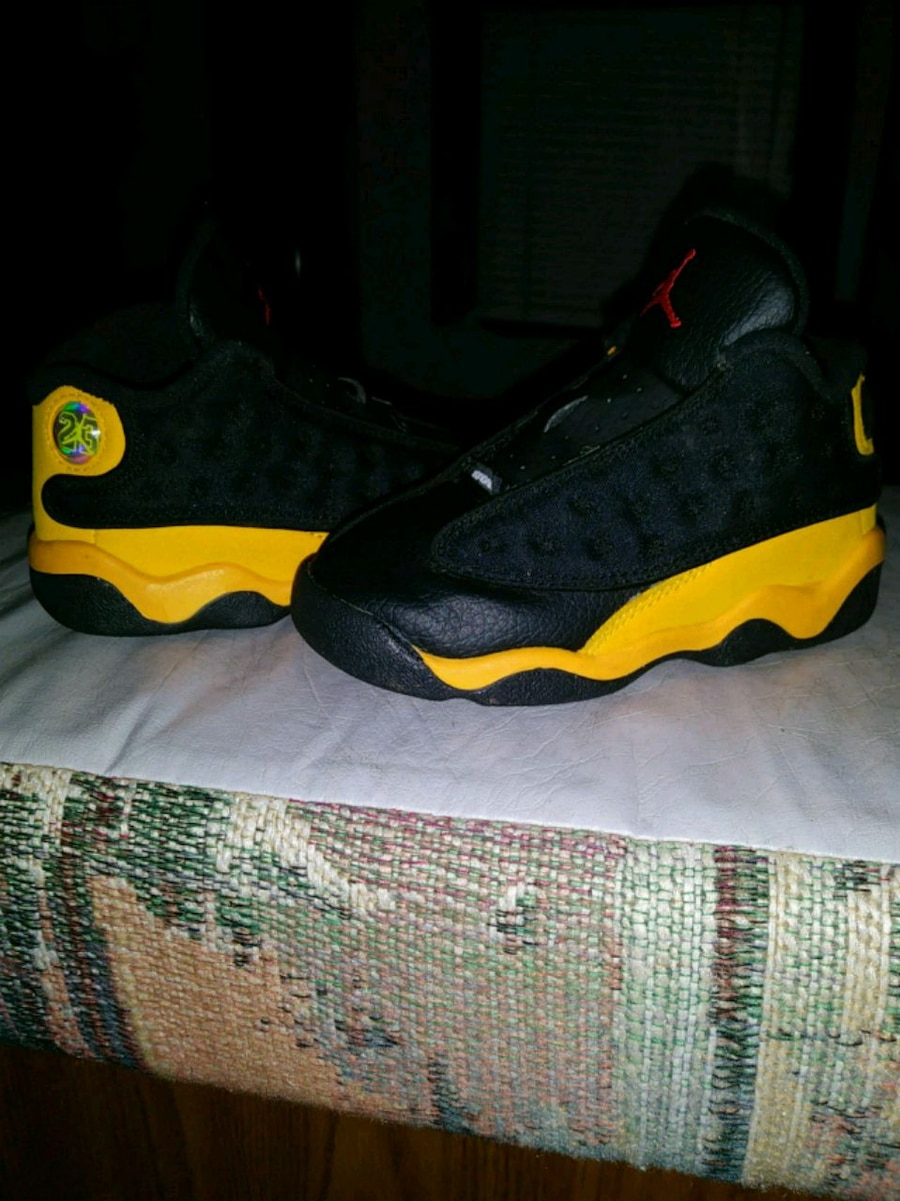 Photo Jordan's. Toddler sz. 8