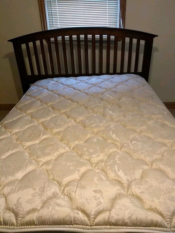 Used Mattress (Serta Perfect Sleeper Northstar Supreme For Sale In