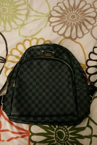 LV UA backpack Toronto, M2N 6R6