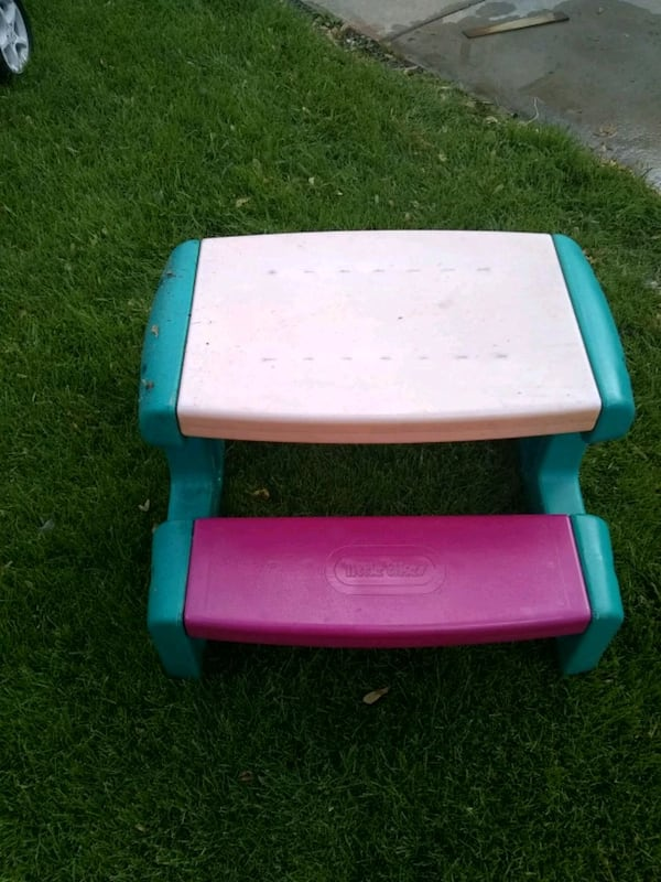 Little tikes picnic table 0