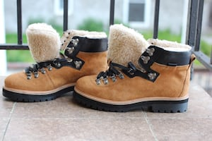 Brand new Winter boots hiking suede leather brown