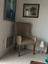 Good condition leather chair Ashburn, 20147