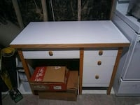 white and brown wooden desk Laval, H7L 5E8
