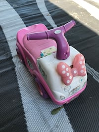 toddler's pink and white Hello Kitty ride-on toy Plant City, 33567