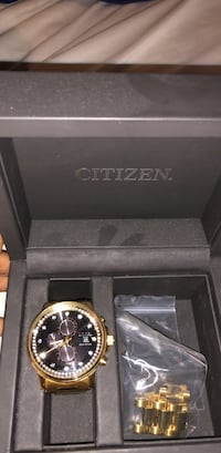 round gold-colored Michael Kors chronograph watch with box Omaha, 68105