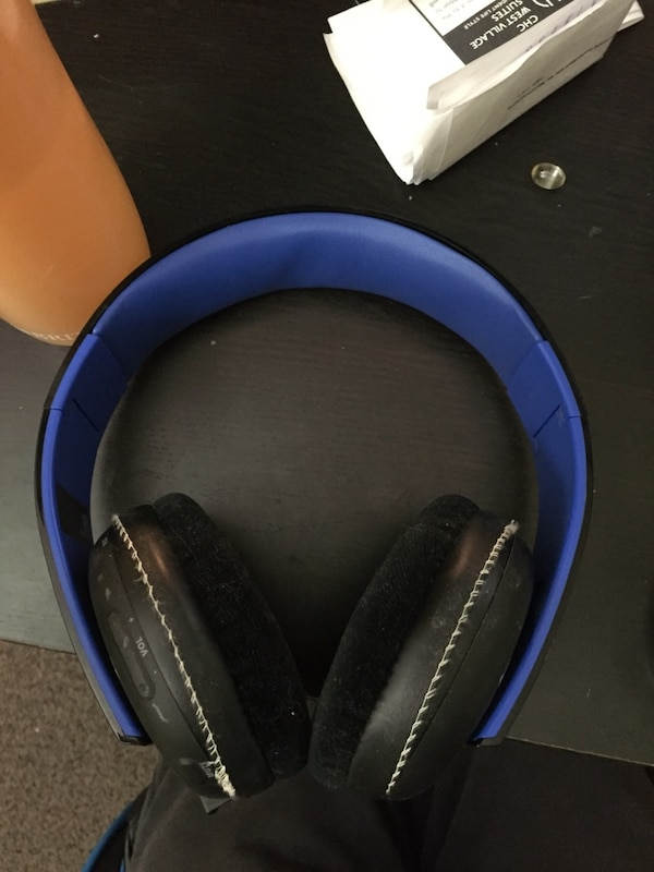 8354f6ecbe6 Used Ps4 gold headset W/ Shure HPAEC940 replacement pads for sale in  Hamilton - letgo