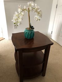 End table  Toms River, 08753
