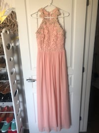 Size Medium Gown  Laval, H7G 0J6