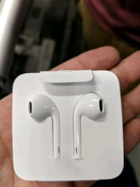 Apple lighing headphones orginals 534 km