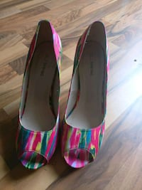 pair of pink-and-green peep toe pumps Kitchener, N2E 2S2