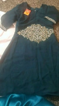 Girls dark green dress with silver amd green work. Toronto, M4J 3P6