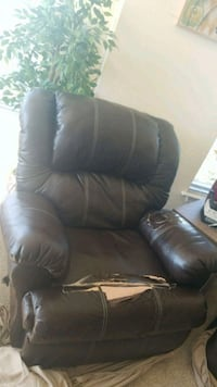 black leather recliner sofa chair College Park, 20740