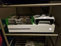 Xbox one s 500gb w/3 games Chandler, 85286