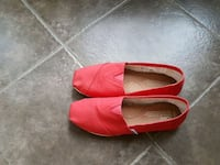 Toms- Coral women's size 7.5  Excellent condition Windsor, N9G 3E9