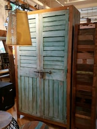 """Armoire 46""""x83""""x19"""" Montreal, H2R 2X6"""