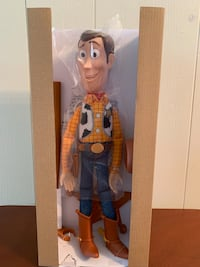 Toy Story 4 SHERIFF WOODY Deluxe Pull-String Action Figure NEW