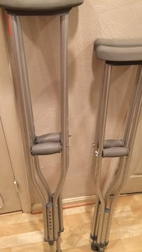 Crutches 2 pairs like new. Stafford, 22556