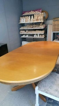 Hard wood dining table with 8 chairs.  Newmarket, L3Y 8C4