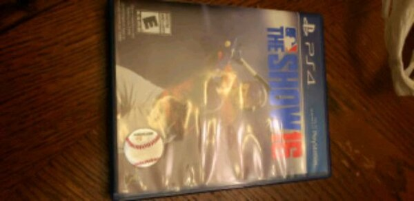 PS4 MLB THE SHOW 10 dollars