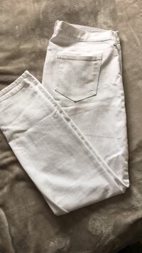 Old navy white jeans  Mission, V2V