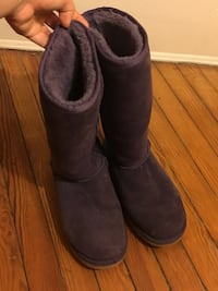 Size 8 (Wide) Ugg Boots Baltimore, 21218