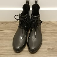 Women's Fancy rain boots US size 10 Surrey, V3S 4T7