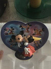 Collectible Mickey and Minnie plate.  Toronto, M9R 0A9