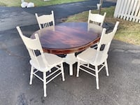 Dining table and chairs Ashburn