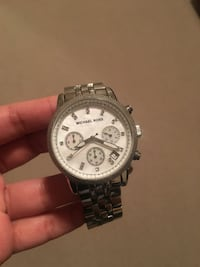 Round silver michael kors chronograph watch with silver link bracelet Ajax, L1T 0G6