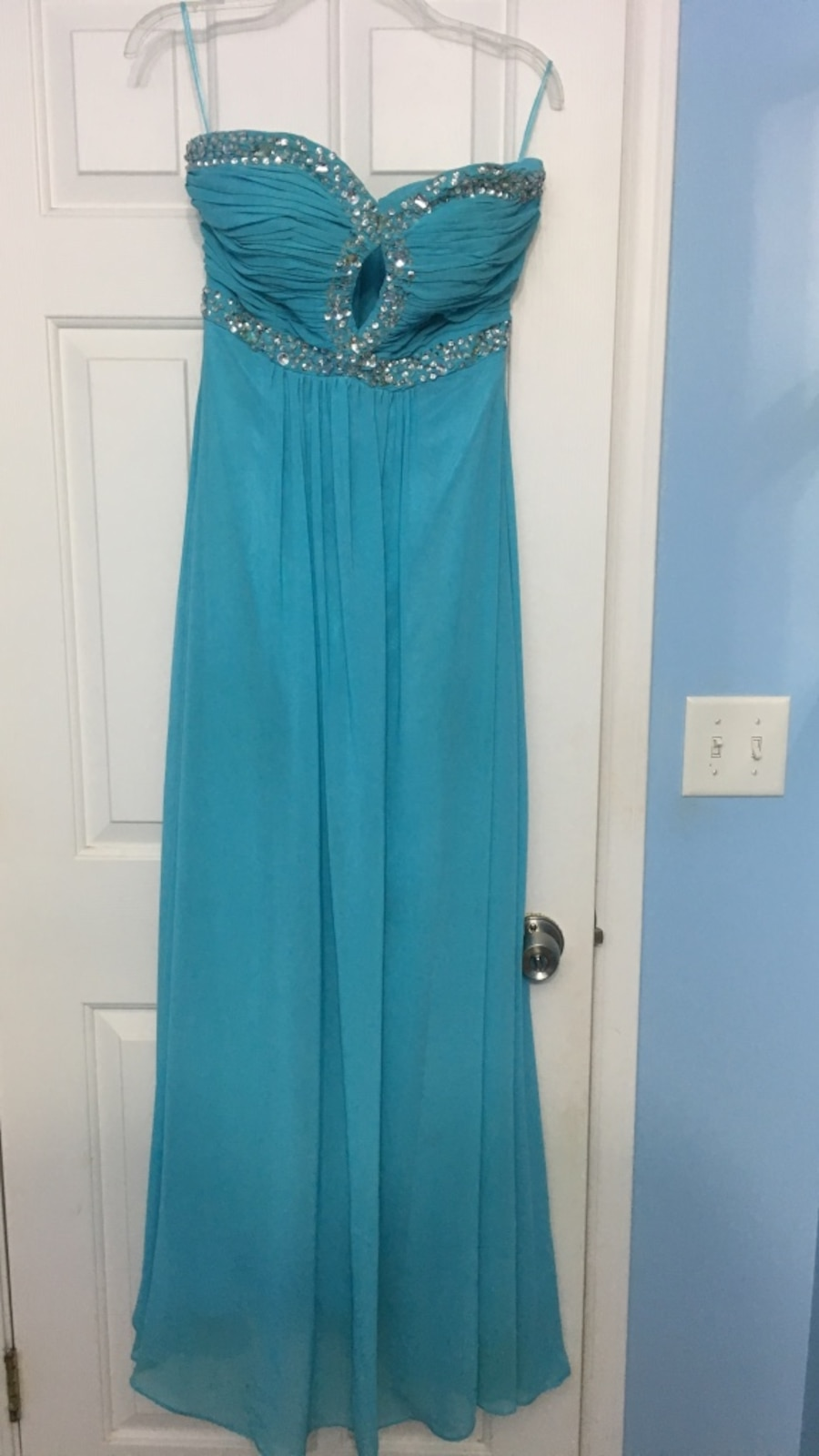 Size 10 . Women's teal tube dress