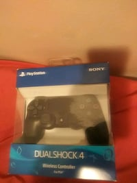 PlayStation 4 controller New York, 11208