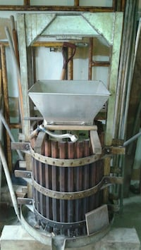 Heavy Duty Wine Press & Grape Crusher Brampton, L6S 3N8
