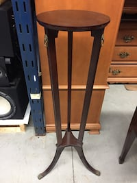 Bombay Plant Stand
