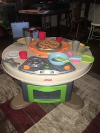 Fisher price oven/table set 1624 mi