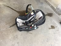 Graco car seat and base, expires 6 years from mfg date Hamilton, L8E 1G2