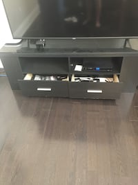 TV stand Vaughan, L6A 4H5