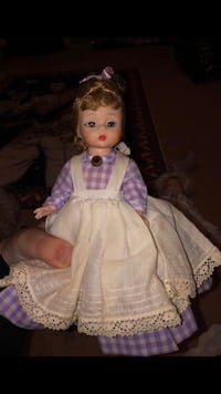 doll in pink and white dress La Plata, 20646