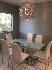 LIKE NEW GLASS TABLE... NORTHHOLLYWOOD