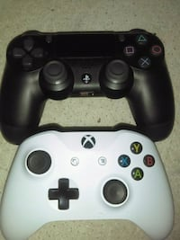 Xbox One and PS4 pro controllers  Walden, 12586