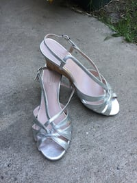 Talbots silver scrappy silver leather sandal 7.5 1138 mi