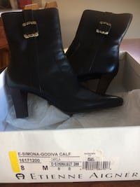 Leather brown boots size 8 still in the box Laval, H7S 2H4
