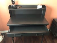 Desk: Black Steel:PRICE REDUCED TO MOVE : FINAL REDUCTION Schaumburg, 60194