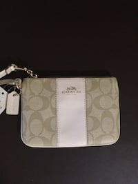 Coach Wristlet New with Tags perfect condition authentic Akron, 44310