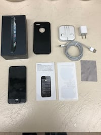 Space gray iphone 5 with box