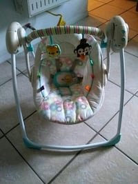 baby's white and green swing chair Carlsbad, 88220