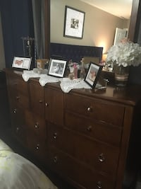 brown wooden dresser with mirror Mississauga, L5T