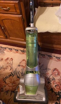 Electrolux nimble bagless vacuum cleaner up right
