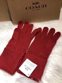 Coach Embossed Signature Knit Touch Gloves Markham, L6G 5K1