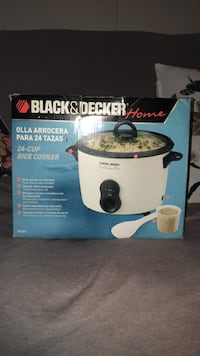 Used Black and Decker 24 cup Rice Cooker Surrey, V3W