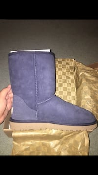 Authentic Womens Short Blue Uggs Size 8 Oxnard, 93033